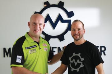 Michael van Gerwen and Thorsten Muschler
